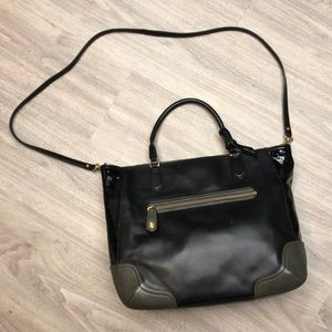 Black leather Coach bag with patten leather side